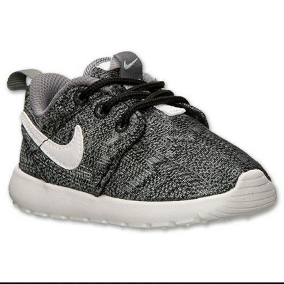 c9e8ef332d2f Nike Roshe One Print Preschool Boys Running Shoes.  M 5a406622331627289501dd81